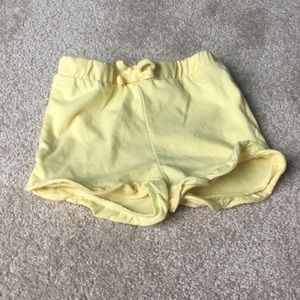 5/$25🍭 Yellow Toddler Shorts 2T